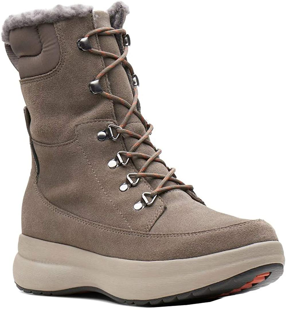 CLARKS Womens Un Orbit Up Boot