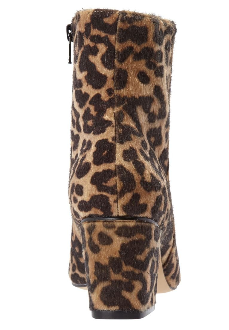 Comfortview Women's Wide The Loreli Bootie B07DX8CVWS 10.5 W US|Leopard