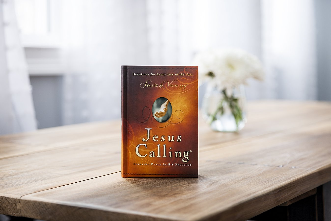 Jesus Calling: Enjoying Peace in His Presence Jesus Calling R: Amazon.es: Sarah Young: Libros en idiomas extranjeros