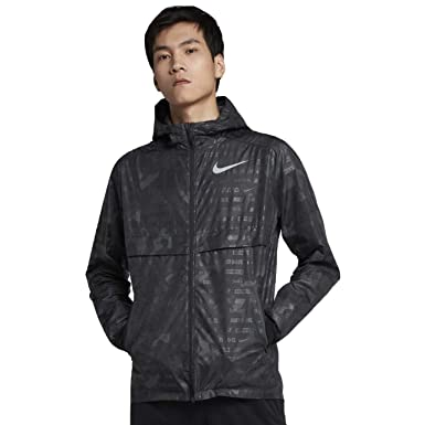 d50e4a704861 Amazon.com  Nike Shield Ghost Flash Men s Running Jacket  Clothing