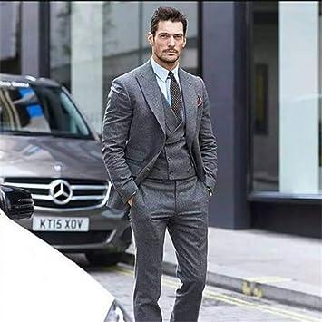 Traje gris corbata