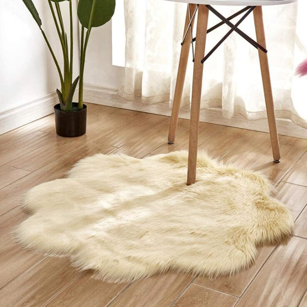 XM&LZ Fluffy Bedroom Area Carpet, Faux Fur Floor Mats Rugs Front Porch Rug Shaggy Entrance Door Mat for Living Room Dining Room-e 2424in