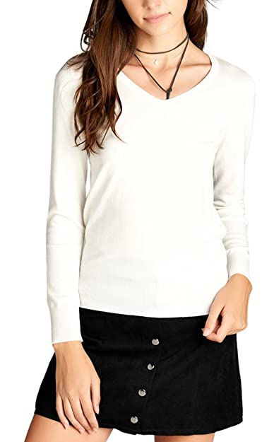 4bde956181 Amazon.com  ToBeInStyle Women s Classic Long Sleeve V-Neck Pullover ...