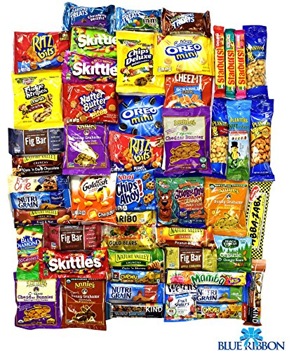snack-variety-ultimate-pack-cookies-crackers-nuts-bars-and-candies-sampler-care-package-in-an-elegan
