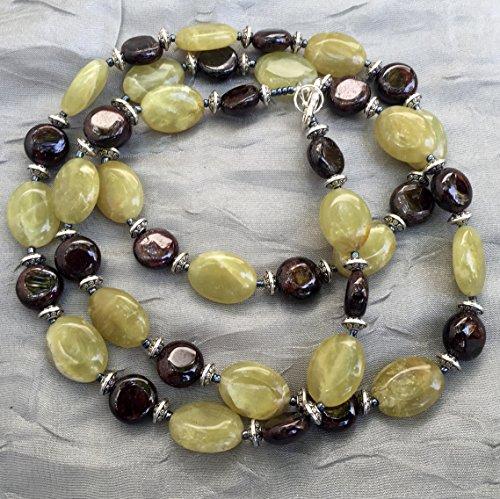 Lemon jade and garnet necklace, 35