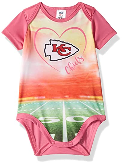 the latest d4735 1447e Amazon.com : NFL Kansas City Chiefs Baby-Girls Short-Sleeve ...