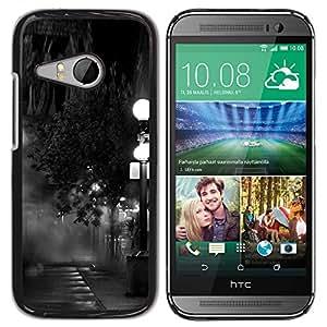 iKiki Tech / Estuche rígido - Lamp Black White Photo Night - HTC ONE MINI 2 / M8 MINI