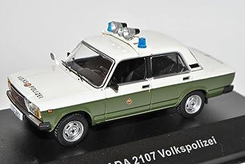 Ixo Lada 1200 2107 Volkspolizei Polizei Grün CCC060 1/43