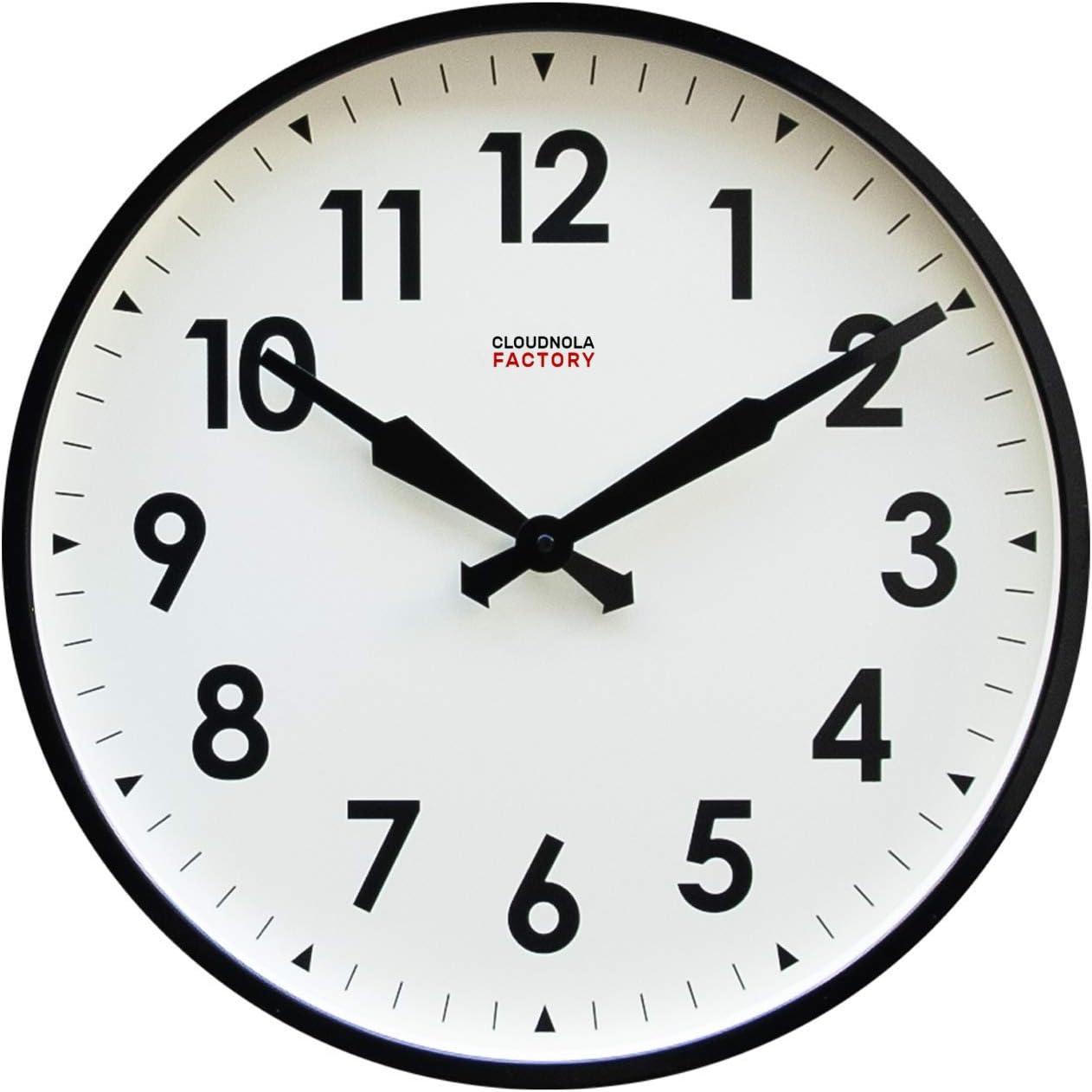 Cloudnola Factory Reloj de Pared Inspirado por los Antiguos Relojes de Fabricas – Metal - Negro y Blanco - 45 cm – Silencioso – Movimiento de Quartz -Pilas - con Numeros