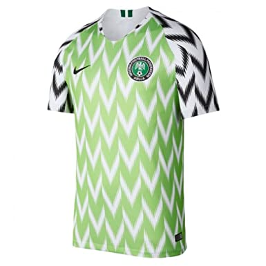 b9dac49da Amazon.com  Nike 2018-2019 Nigeria Home Football Soccer T-Shirt ...