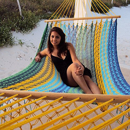 Large Mayan Hammock (Sunnydaze Mayan Hammock Handwoven American Style with Spreader Bars, 660 Pound Capacity, Multi-Color)