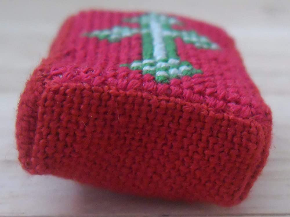 1//12th Scale Dolls House Hand Embroidered Red Church Kneeler Cross Design in Green /& Silver