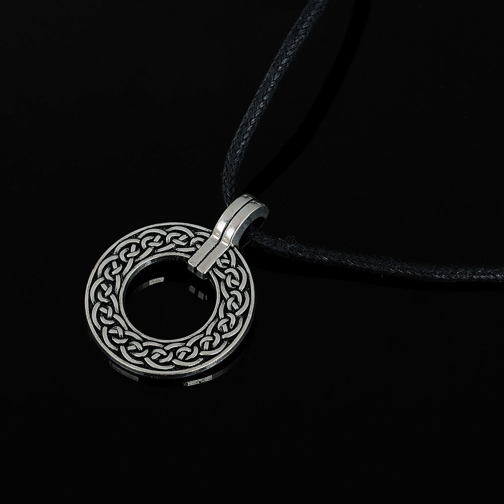 Garland Shape Charm Necklace Circular Knots Pendant Necklace for Men and Boy Gothic Amulet Jewelry