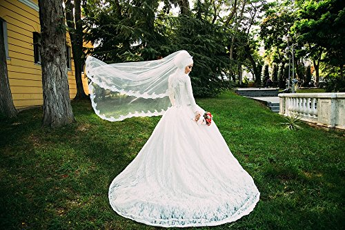 Home Comforts LAMINATED POSTER People Veil Gown Dress Wedding Female Woman Girl Poster 24x16 Adhesive Decal (Veil Gown)