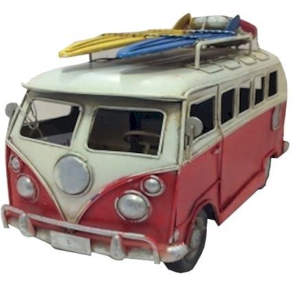 La colección VW Giftworks - rojo furgoneta Metal modelo con tablas de surf y una boya