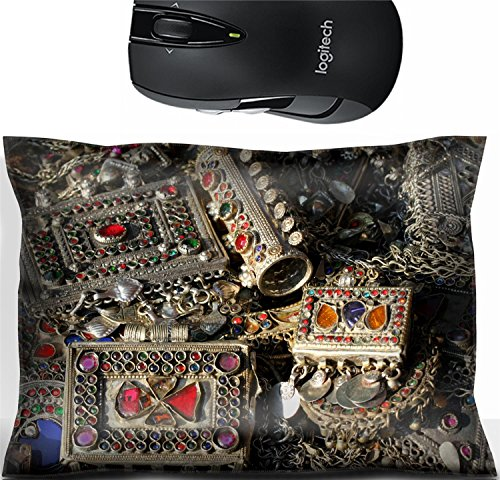 Liili Mouse Wrist Rest Office Decor Wrist Supporter Pillow ancient bracelet and various vintage metal jewelry and gemstones for sale at flea market in Italy 29170601