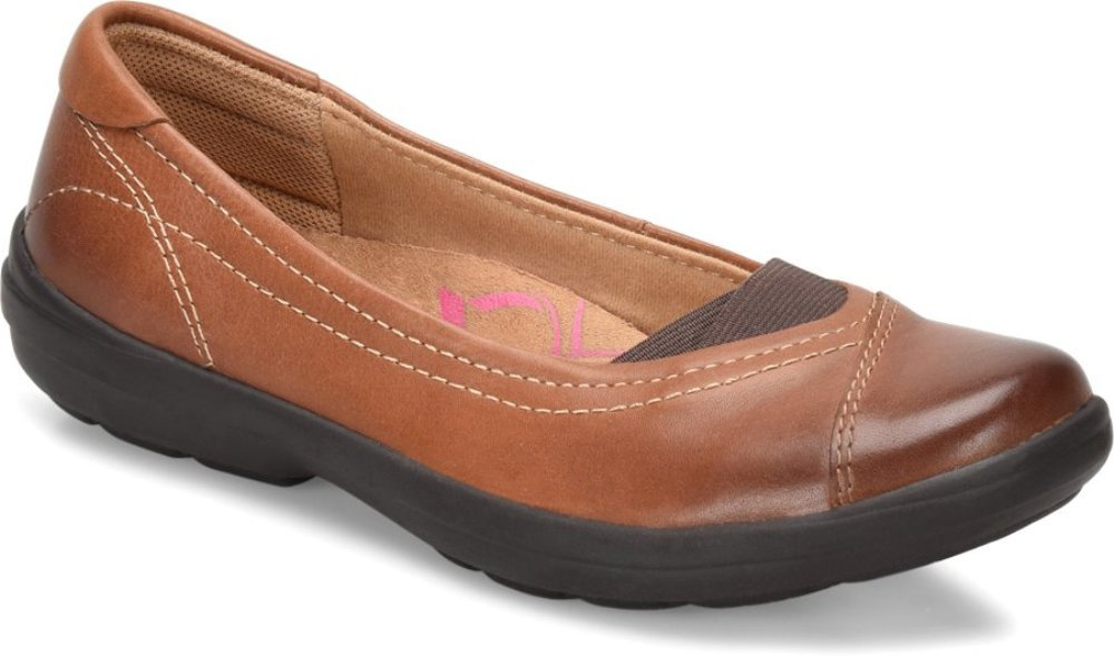 Comfortiva Womens Renee Leather Closed Toe Ballet Flats B06WD4JWF8 8.5 W US|Tan