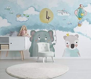 Duvarkapla Mutlu Fil Ve Ayılar Bulutlar Gökyüzü Arka Plan üzerinde