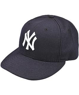 a8f697745 Amazon.com: New Era Kids 59FIFTY New York Yankees Cap: Sports & Outdoors