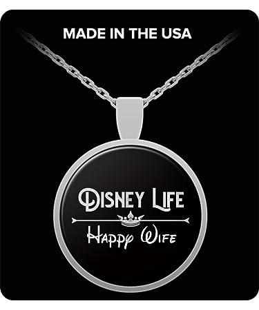 Amazon.com: Disney Vida Feliz Aniversario de esposa Corazón ...