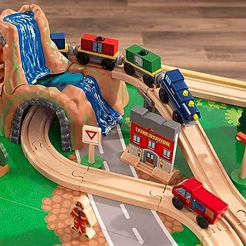 KidKraft- Set de tren y mesa de actividades de juguete, de madera, para niños, juego clásico de actividades ferroviarias con accesorios incluidos (120 piezas) Adventure , Color Multicolor (18025): Amazon.es: Juguetes y juegos