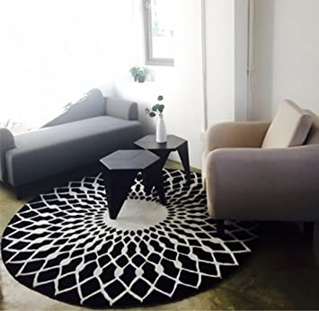 Mode scandinave tapis rond noir et blanc salon table basse ...