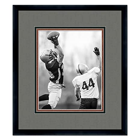 Amazon.com: Oakland Raiders Black Wood Frame For a 5x7 Photo with a ...