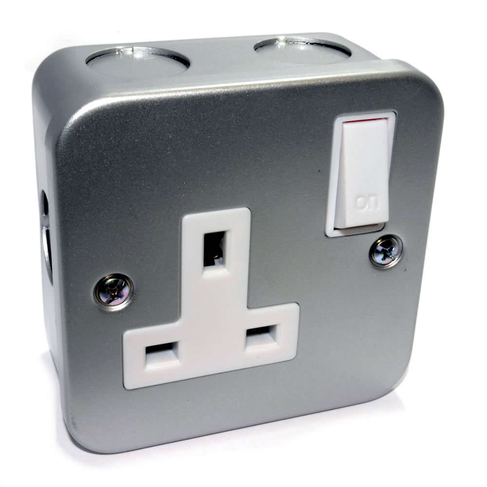 Solo Grupo Metal Clad Acero UK Energía Enchufe con Cable Entrada Points
