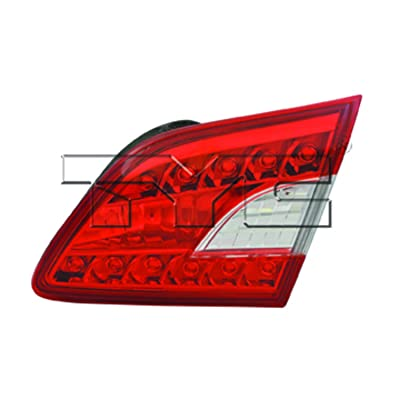 TYC 17-5407-00-9 Nissan Sentra Replacement Reflex Reflector: Automotive