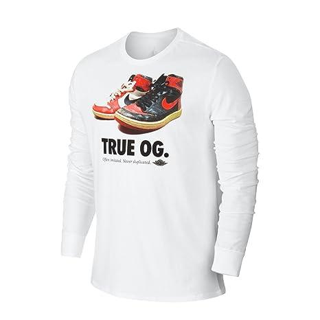 2581aa05a0c881 Amazon.com  Air Jordan Mens Retro 1 True OG Long Sleeve Shirt Black White  Chicago Banned (2X-Large
