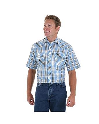 b61fbacd68d Amazon.com  Wrangler Tall Men s Short Sleeve 2 Pocket Western Dress Shirt   Clothing