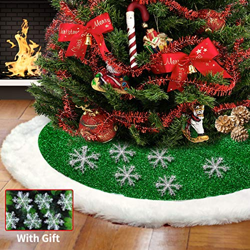 Christmas Tree Skirt 48 inches, Green and White Plush Faux Fur Luxury Xmas Tree Skirt Decorations with 6 Pcs Snowflake for Festive Holiday Home Party Happy New Year Ornaments