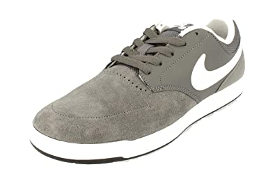 227419d7756f Nike Men s Sb Fokus Low-Top Sneakers  Amazon.co.uk  Shoes   Bags