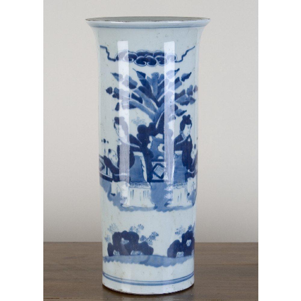 Home decor. Blue and White Vase. Dimension: 6.5 x 16.5 x 14. Pattern: Blue & White Classic.
