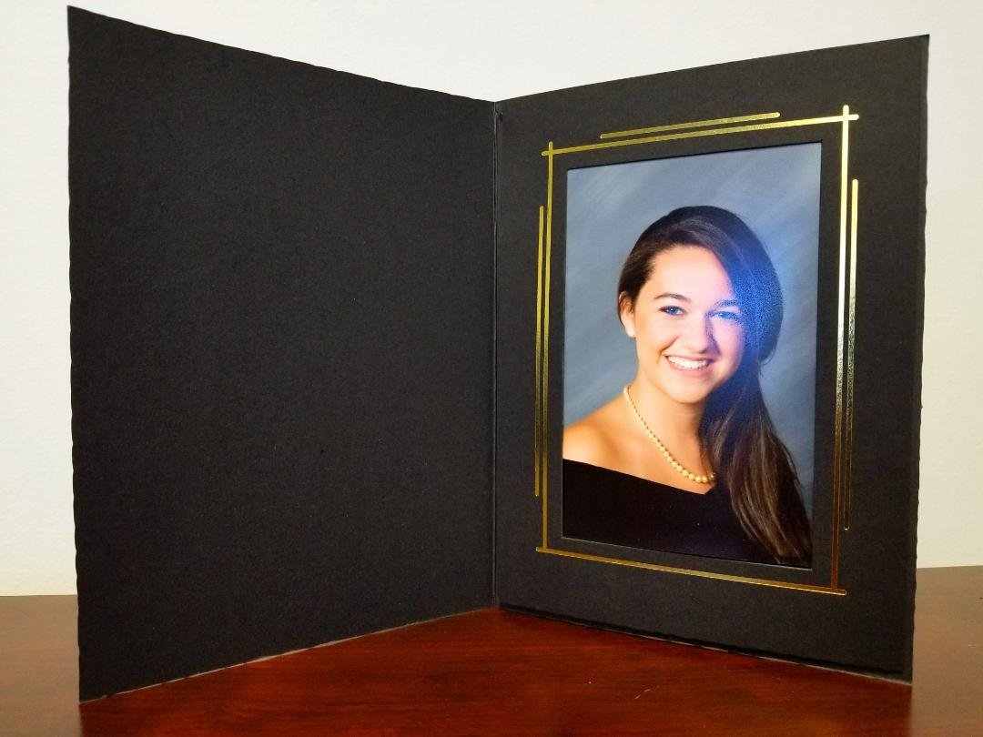 Cardboard Photo Folder for 4x6'' Picture. BLACK with GOLD Foil Border (PACK OF 400). Classic & Elegant! This 4x6 paper photomount is ideal for wedding, graduation and photo booth events.