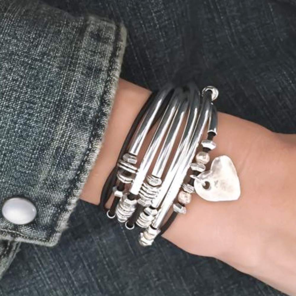 Lizzy James Double Love Hammered Heart Charm Wrap Bracelet in Natural Black Leather Lizzy James Jewelry US/_JWE/_B07JCP2NBP