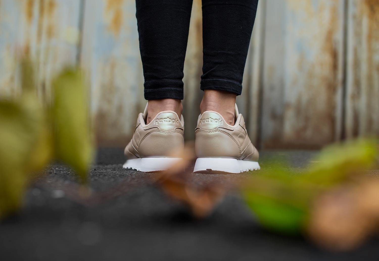 4a4e58de15 Reebok Classic Leather Pearlized Womens Sneakers Gold: Amazon.com.au ...