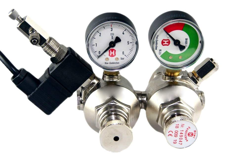 Hiwi double chamber CO2 pressure regulator with MV + zip