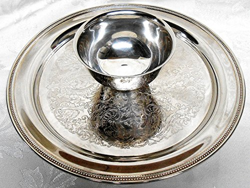 Vintage Silver Plated Oneida Chip & Dip Tray with Attached (2) Two Cup Bowl -
