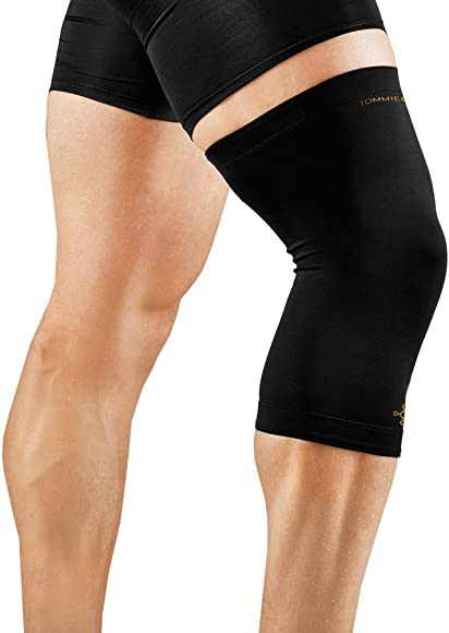 c8161d34200b7d Amazon.com: Tommie Copper Men's Recovery Refresh Knee Sleeve, Black ...