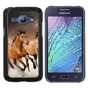 """Be-Star Único Patrón Plástico Duro Fundas Cover Cubre Hard Case Cover Para Samsung Galaxy J1 / J100 ( Caballos salvajes Running Free Símbolo Naturaleza"""" )"""