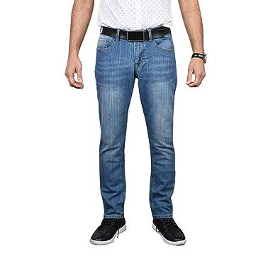 66d6f465 IZOD Men's Comfort Stretch Slim Straight Fit Jeans at Amazon Men's ...