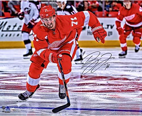 (Dylan Larkin Detroit Red Wings Autographed 16