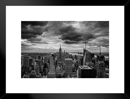 Black /& White City View Mid-Town Stone Bridge Picture Poster Art Framed Print