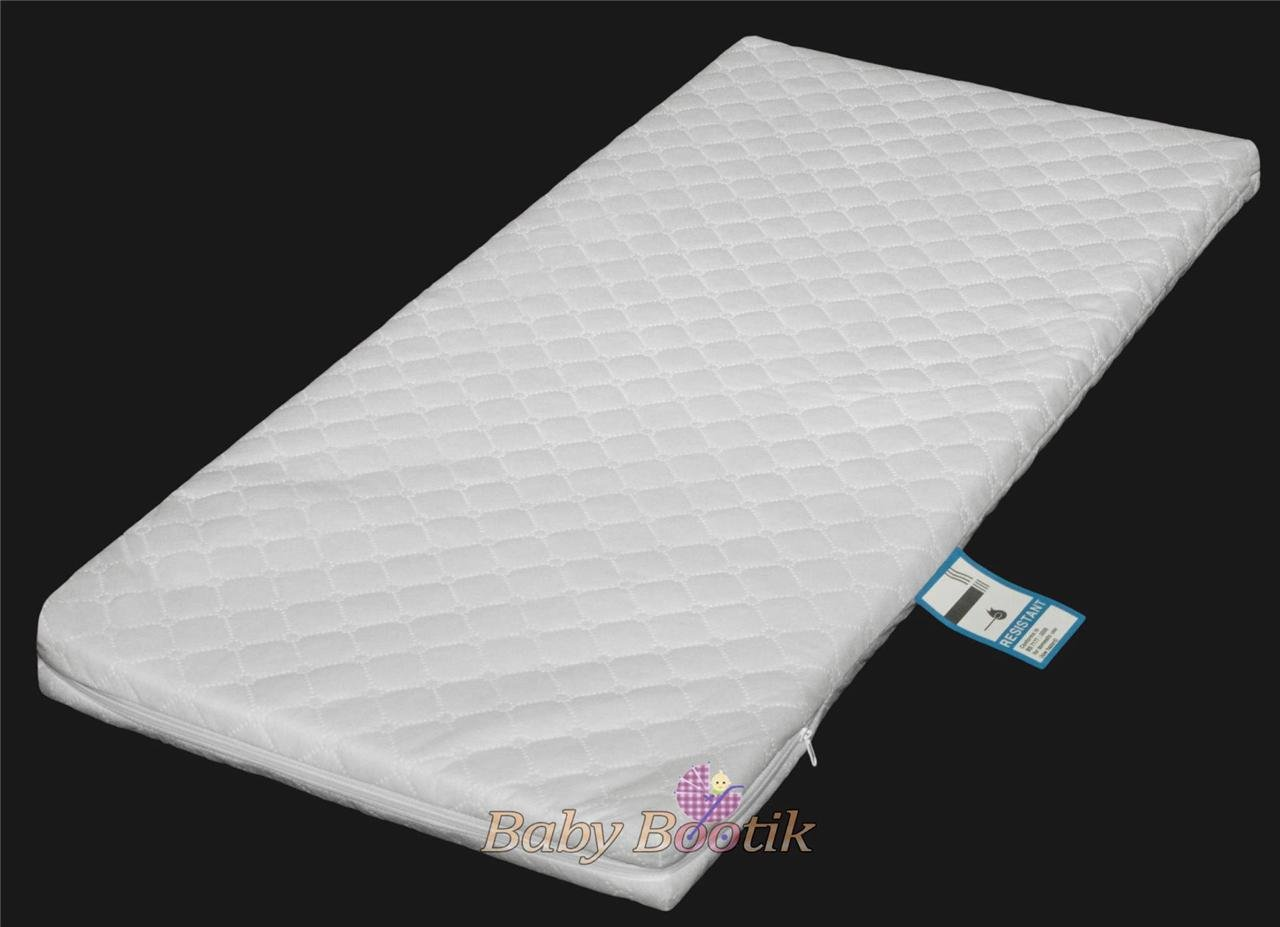 Anti-Bacterial Baby Crib, Cradle Foam Mattress (90 x 40 x 4 cm) with Quilted Breathable Zip Cover Babycomfort