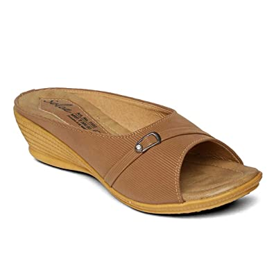 15c29e255490 PARAGON SOLEA Plus Women s Brown Flip-Flops  Buy Online at Low ...