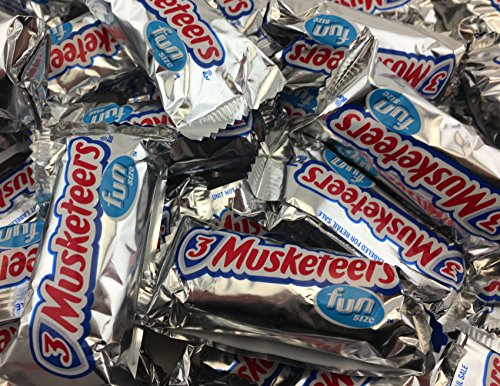 3 Musketeers Chocolaate Fun Size Candy Bars, Share Size Bulk Pack (Pack of 2 (3 Musketeers Candy Bars)