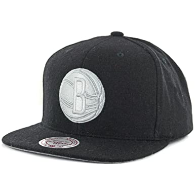 hot sale online a4075 e2c00 Image Unavailable. Image not available for. Color  Mitchell   Ness   quot Melton Proper quot  Brooklyn Nets Snapback Hat (Black) Men s