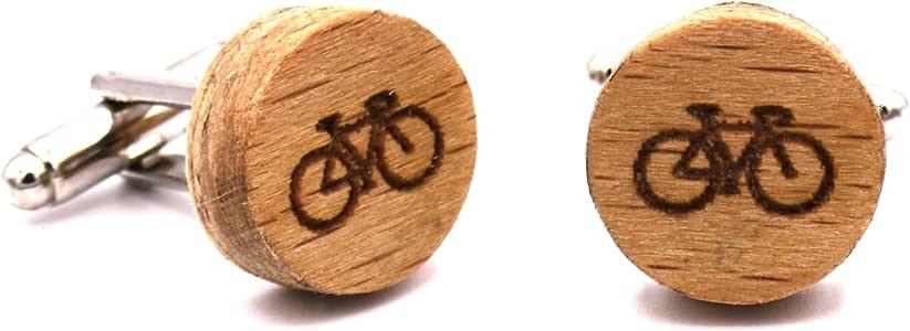 Gemelos de madera Bike. Colección de moda hombre: Gemelos originales de haya para camisa, hechos a mano en España. Línea boda y eventos. Diseño con grabado de bicicleta. Regalo divertido y elegante:
