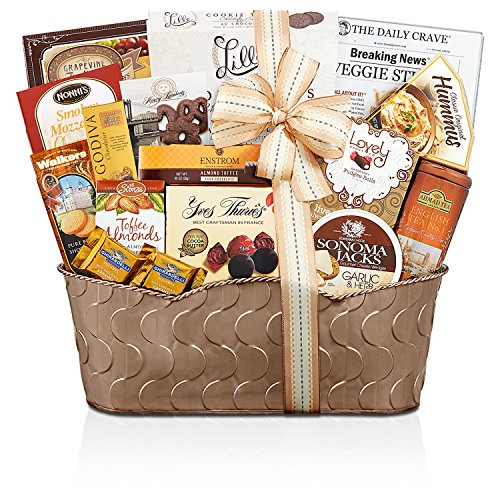 Wine Country Gift Baskets Grand Gourmet, 4.55 Pound (Wine Gourmet Gift Baskets)